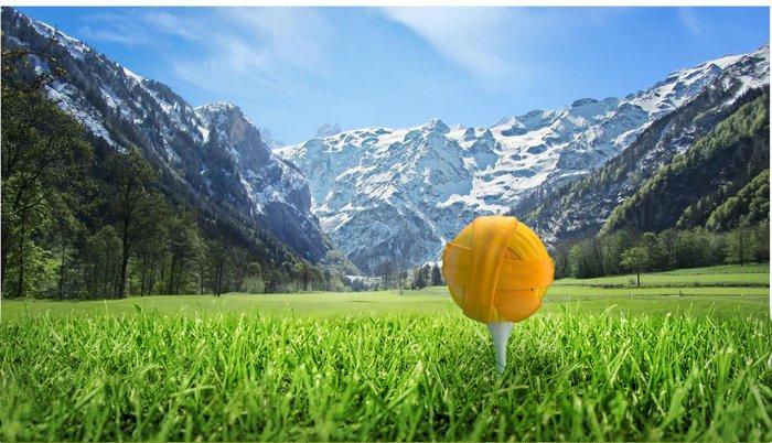 Engelberg_Golfball_Wiese.jpg