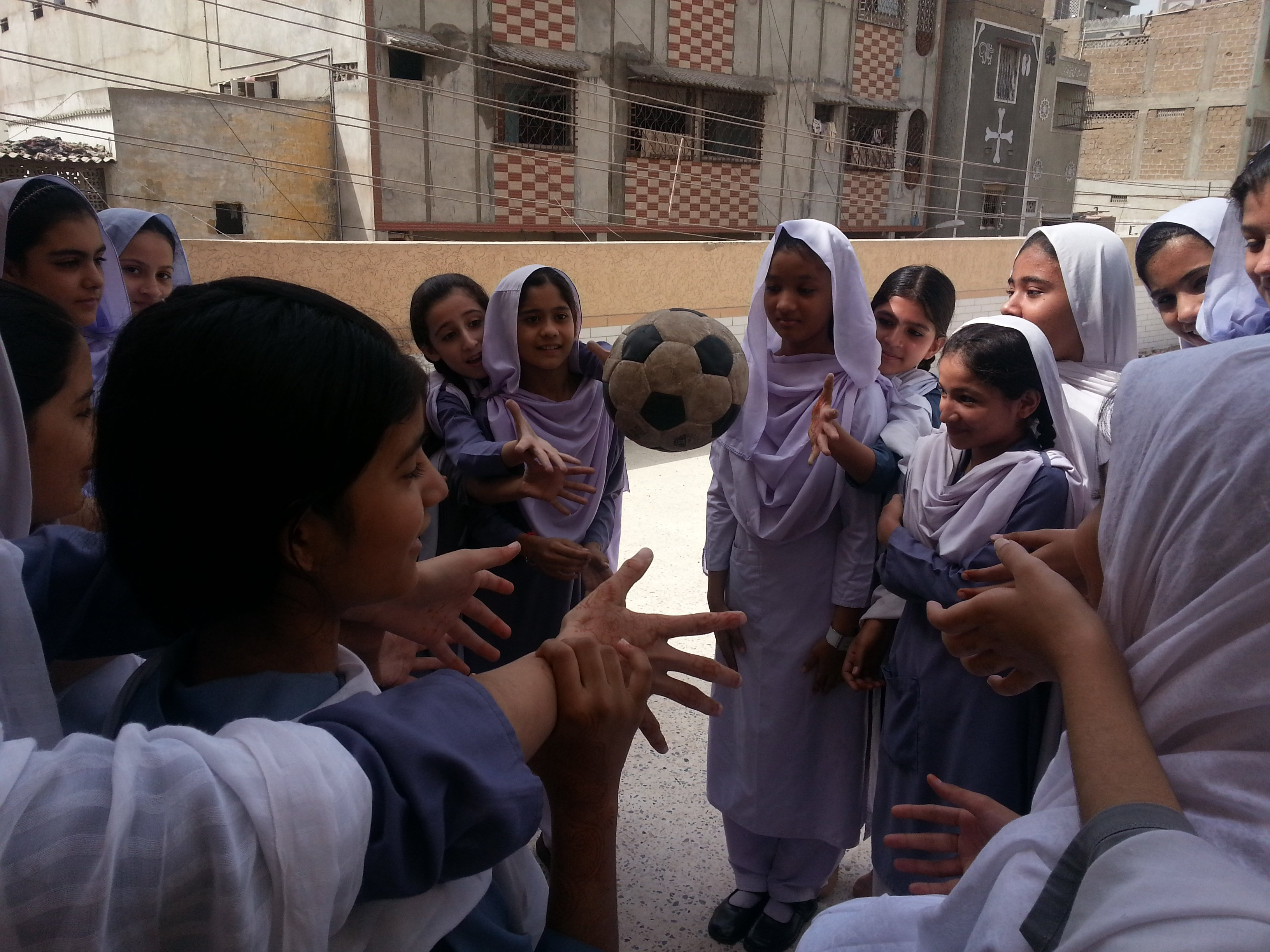 Girls in Pakistan playing in Right To Play programs